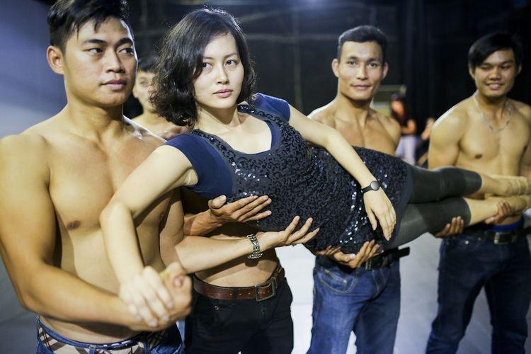 Đỗ Thị Hải Yến Hu trng Th Hi Yn tp ballet trong phim Vit Nam u tin
