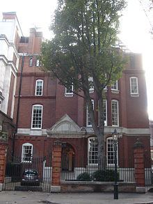 1 Palace Green httpsuploadwikimediaorgwikipediacommonsthu