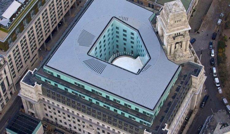 10 Trinity Square 10 Trinity Square Wintech Wintech Dedicated Faade Engineering
