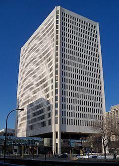 100 Washington Square httpsuploadwikimediaorgwikipediacommonsthu