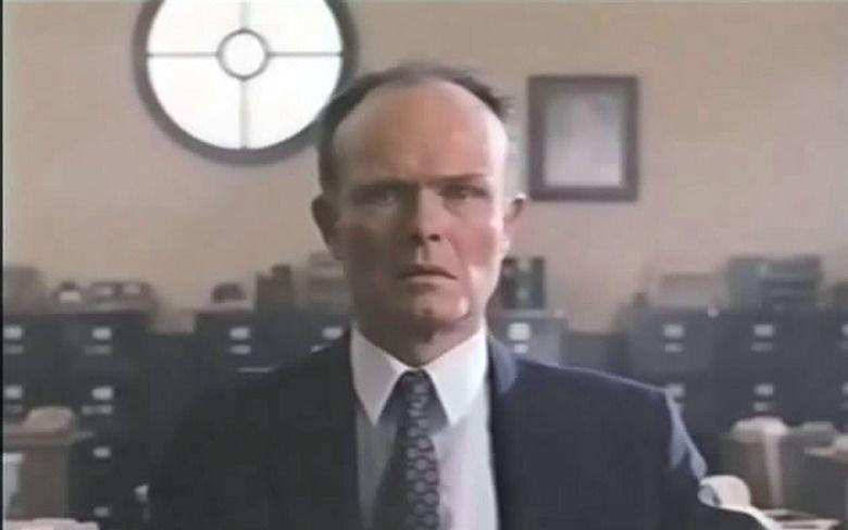 12:01 PM (1990 film) movie scenes