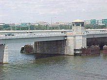 14th Street Bridges httpsuploadwikimediaorgwikipediacommonsthu