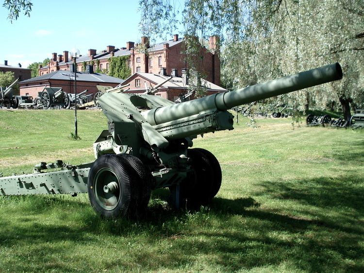 152 mm howitzer M1938 (M-10)