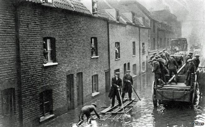 1928 Thames flood The great 1928 flood of London BBC News
