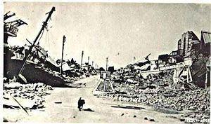 1935 Quetta earthquake httpsuploadwikimediaorgwikipediacommonsthu