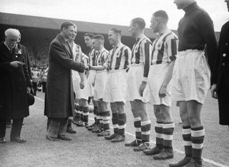 1938 FA Cup Final wwwcurrybetnetimagesblog200820080430teamjpg