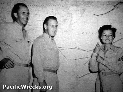 1945 New Guinea Gremlin Special rescue Survivors of C47A quotGremlin Special Guinea Gopherquot 4223952 Left