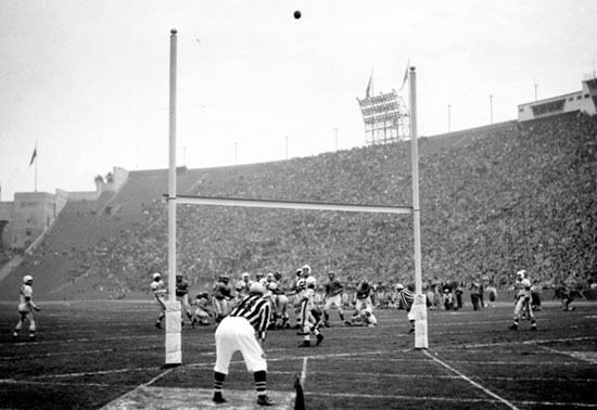 1951 NFL Championship Game goldenrankingscomFootball20Pictures202NFL20C
