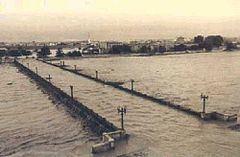 1957 Valencia flood httpsuploadwikimediaorgwikipediacommonsthu