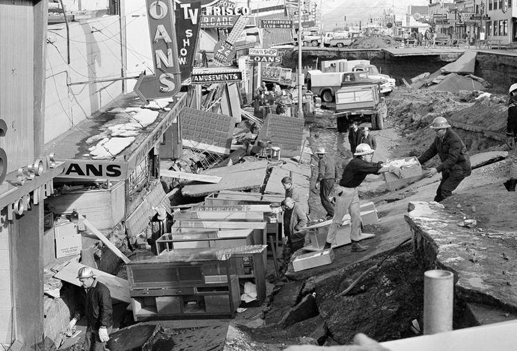 1964 Niigata earthquake 1964 The World 50 Years Ago