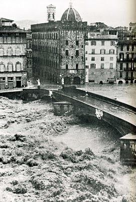 1966 flood of the Arno flood urbanzip