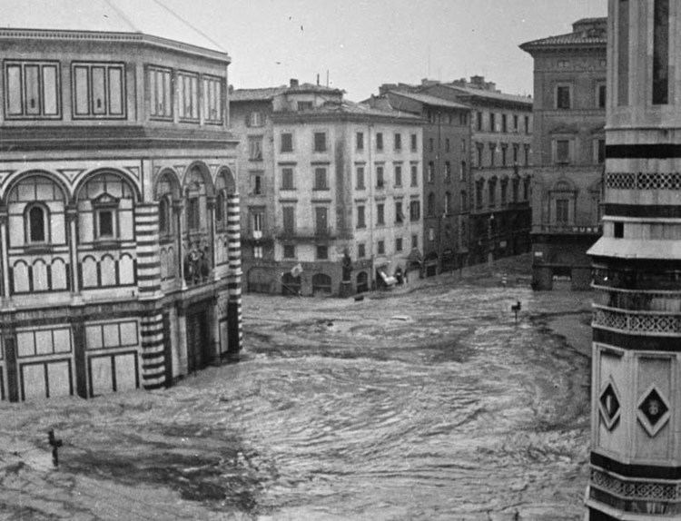 1966 flood of the Arno Sunsets and River Rats An Ode to the Arno Florence for Free