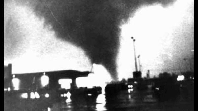 1967 Oak Lawn tornado outbreak TERROR IN OAK LAWN YouTube