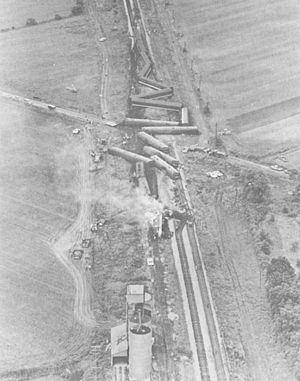 1971 Salem, Illinois, derailment httpsuploadwikimediaorgwikipediacommonsthu