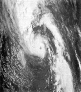 1975 Pacific Northwest hurricane httpsuploadwikimediaorgwikipediacommonsthu