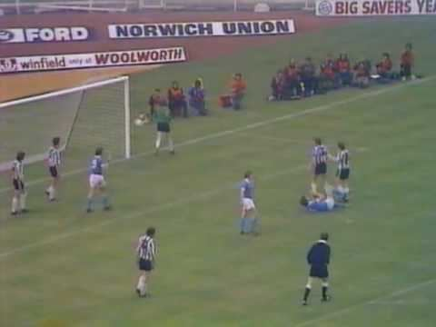 1976 Football League Cup Final 1976 League Cup Final Highlights Man City v Newcastle YouTube