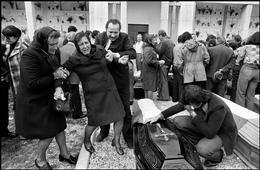 1976 Friuli earthquake Magnum Photos