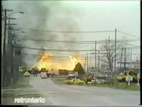 1979 Mississauga train derailment httpsiytimgcomvihEi2Do9tNPIhqdefaultjpg
