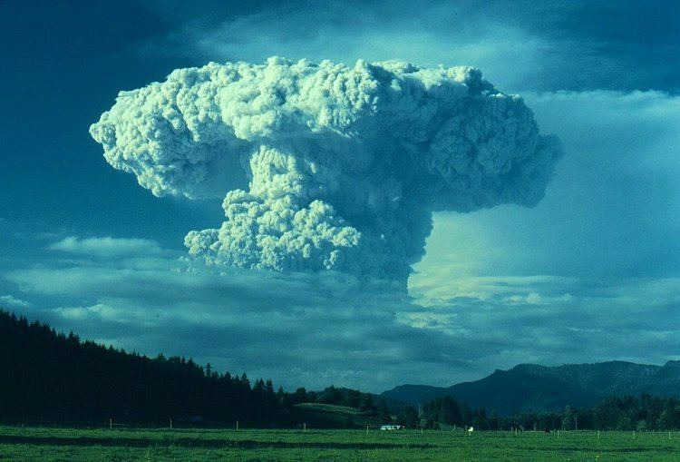 1980 eruption of Mount St. Helens Panoramio Photo of July 22 1980 eruption of Mount St Helens from