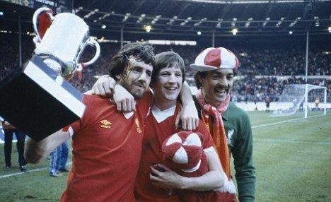 1982 Football League Cup Final httpssmediacacheak0pinimgcomoriginals10