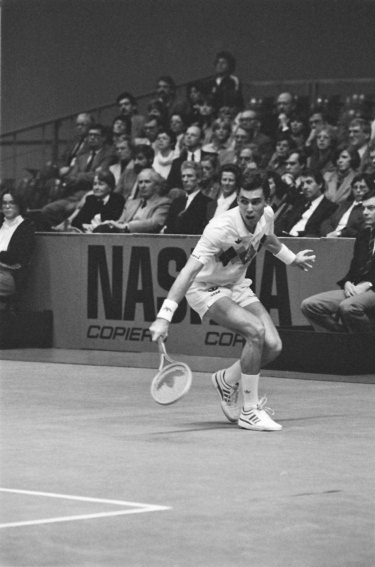 1982 World Championship Tennis circuit