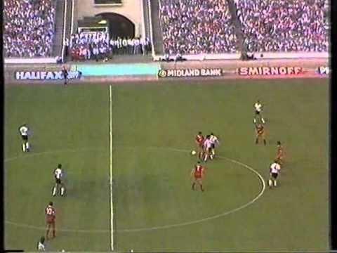 1983 FA Charity Shield httpsiytimgcomviNAFRBY5fHkhqdefaultjpg