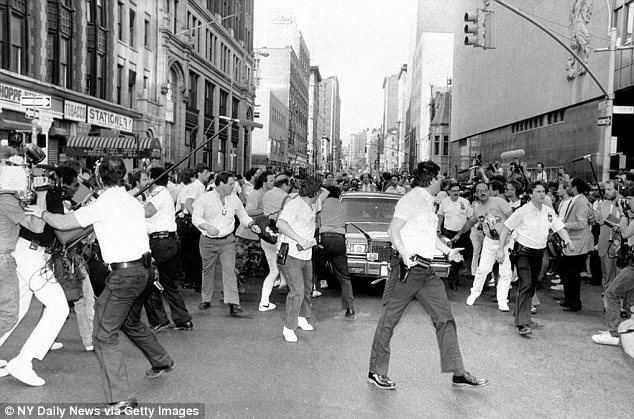 1984 New York City Subway shooting Subway Vigilante Bernie Goetz spotted out on the streets of