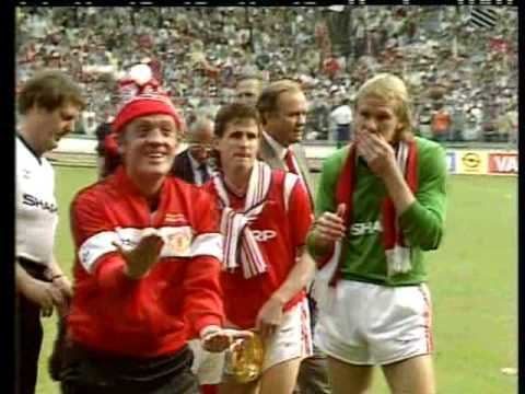 1985 FA Cup Final Man Utd 1985 FA Cup Final PostMatch Celebrations HQ YouTube