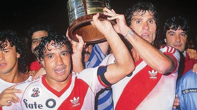 1986 Copa Libertadores RIVER CAMPEN DE AMRICA 1986 Cuatro adelante
