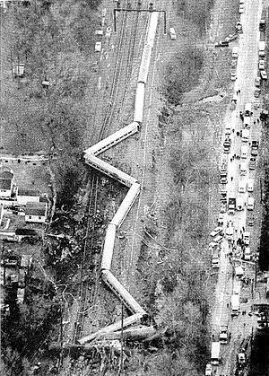 1987 Maryland train collision httpsuploadwikimediaorgwikipediacommonsthu