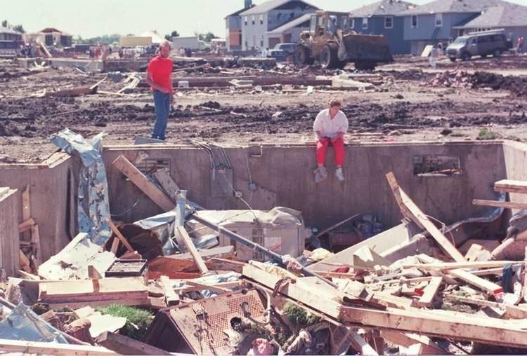 1990 Plainfield tornado wwwdailyheraldcomstoryimageDA20150828news15