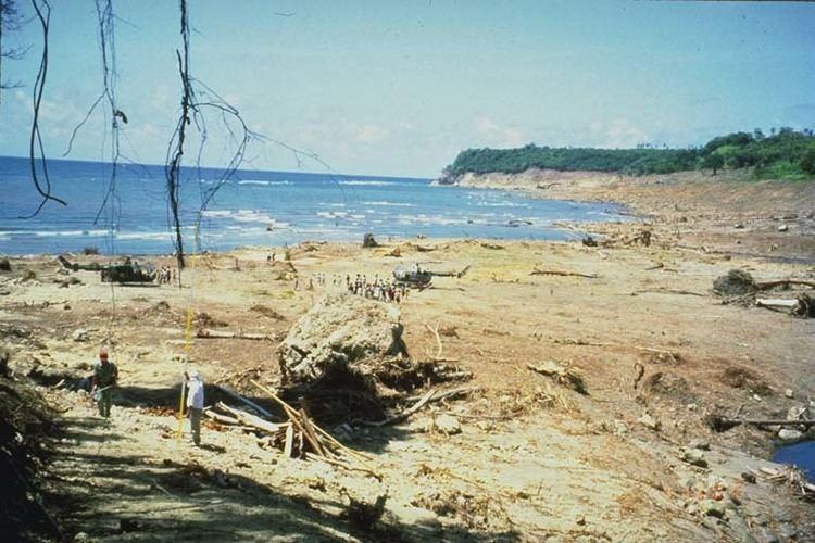 1992 Flores earthquake wwwngdcnoaagovhazardiconsmedres2626527jpg