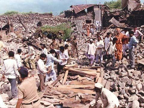 1993 Latur earthquake wwwswaminarayanorgactivitiesreliefimageslatu