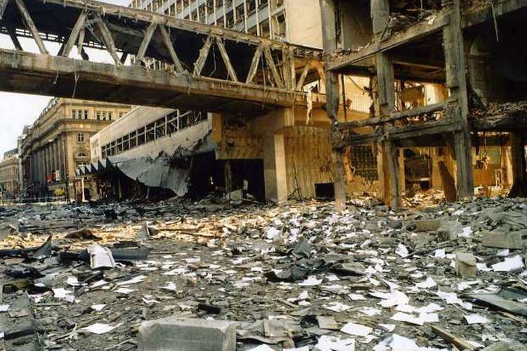 1996 Manchester bombing 18 Years On The IRA Manchester Bomb Huddled
