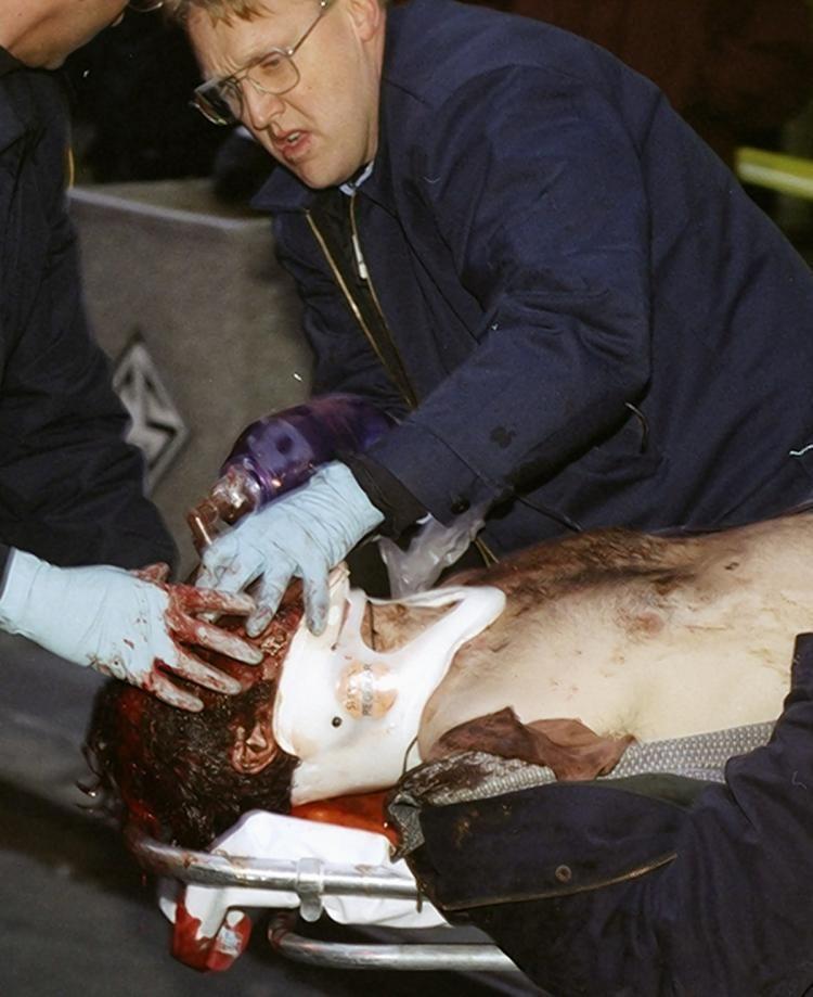 1997 Empire State Building shooting Gunman terrorizes the Empire State Building in 1997 NY Daily News