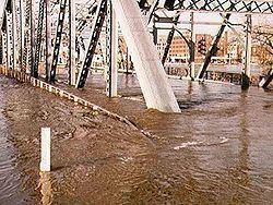 1997 Red River flood httpsuploadwikimediaorgwikipediacommonsthu