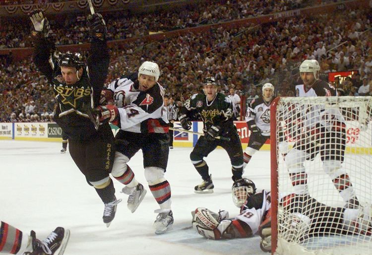 1999 Stanley Cup Finals Career in a Year Photos 1999 Hull39s goal wins Stanley Cup for