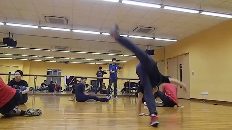 2000 (b-boy move)