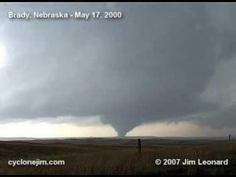 2000 Brady tornado httpsiytimgcomviHtgDxamc8hqdefaultjpg