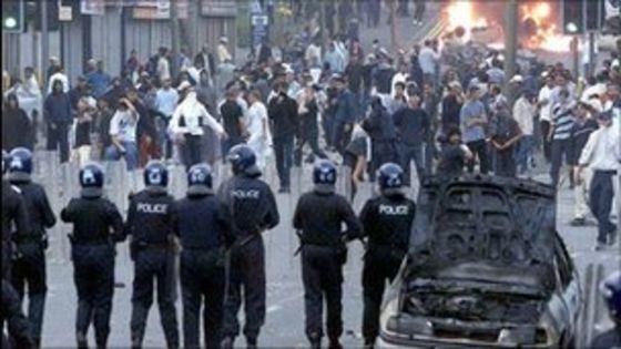 2001 Bradford riots Bradford still deeply segregated after riot in 2001 BBC News
