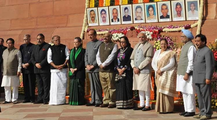 2001 Indian Parliament attack Modi Sonia Manmohan pay tribute to martyrs of 2001 Parliament