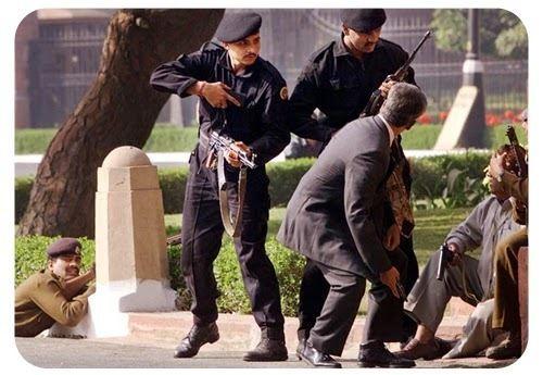 2001 Indian Parliament attack 3bpblogspotcomnYGMYQUBm4VIwvy4wTimIAAAAAAA