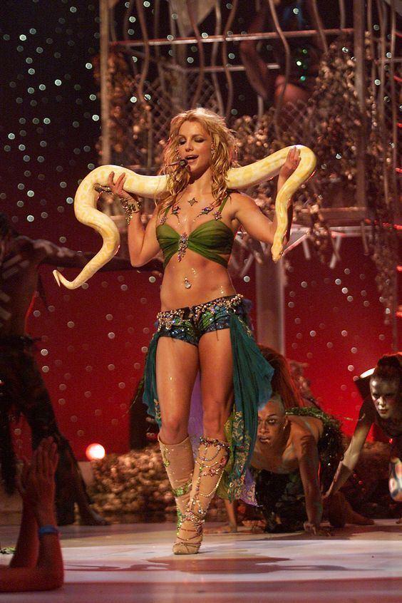 2001 MTV Video Music Awards Pinterest The world39s catalog of ideas