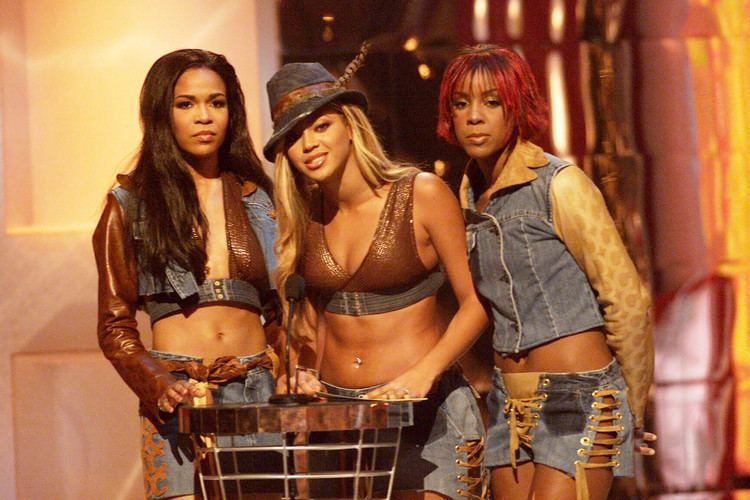 2001 MTV Video Music Awards 18 of The Weirdest Things That Happened At The 2001 VMAs
