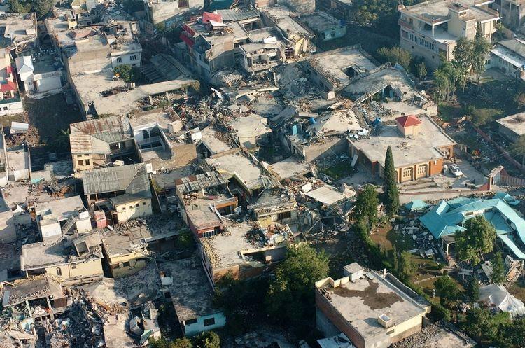 2005 Kashmir earthquake FileMuzaffarabad 2005 Kashmir earthquakejpg Wikimedia Commons