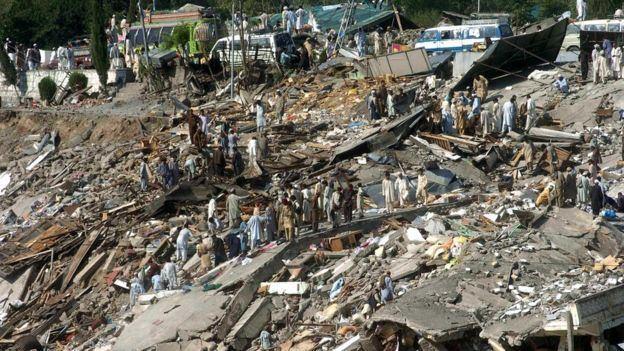 2005 Kashmir earthquake ichef1bbcicouknews624cpsprodpb1A31product