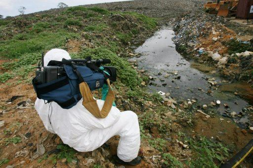 2006 Ivory Coast toxic waste dump Amnesty Greenpeace urge prosecution in ICoast dumping