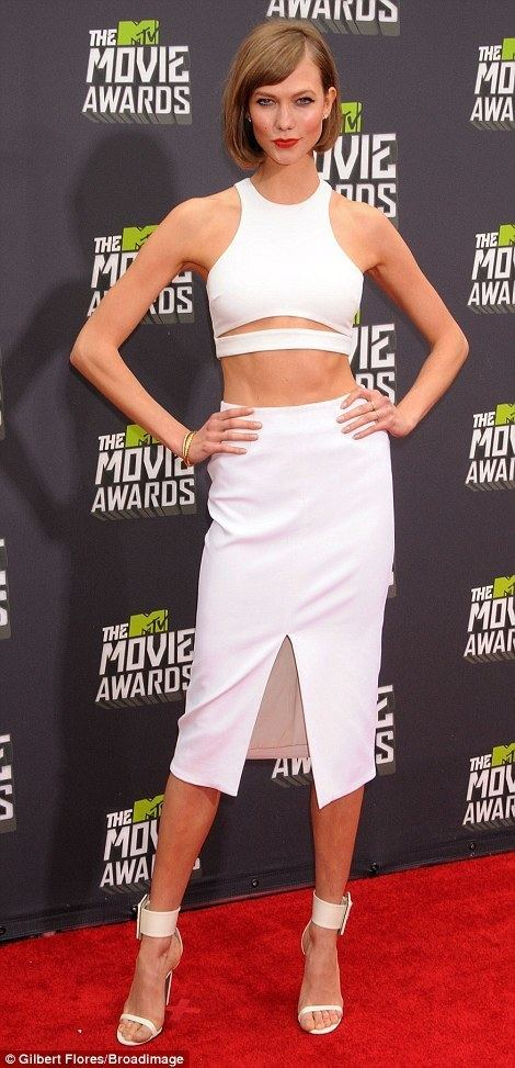 2013 MTV Movie Awards MTV Movie Awards 2013 Kim Kardashian rocks the red carpet in
