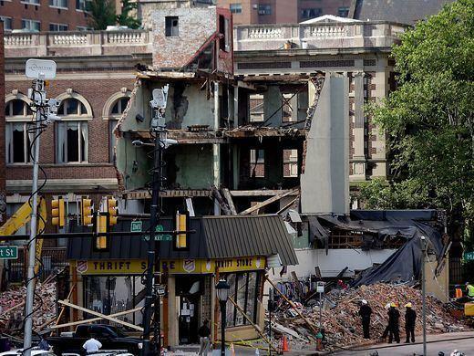 2013 Philadelphia building collapse 6 dead 14 hurt in Philadelphia building collapse