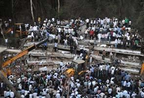 2013 Thane building collapse Thane building collapse 45 dead Prithviraj Chavan visits site